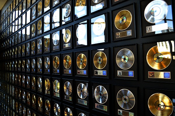 A weekend in Nashville - check out the Country Music Hall of Fame and Museum