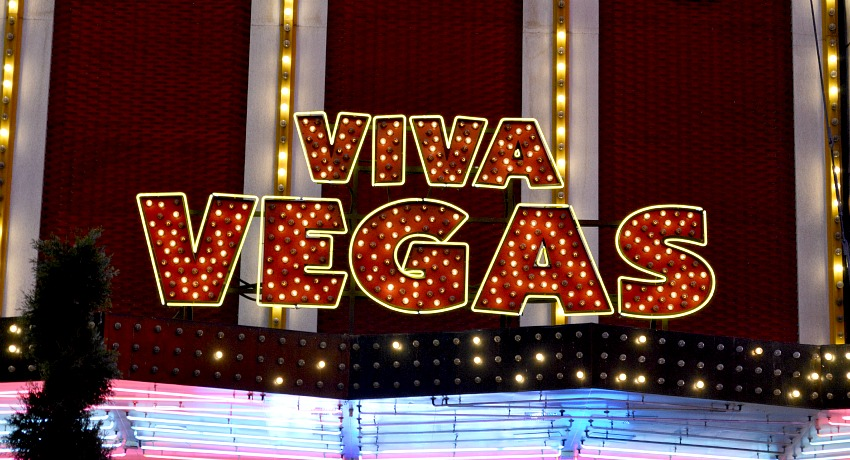 How to visit Vegas alone as a solo traveller.