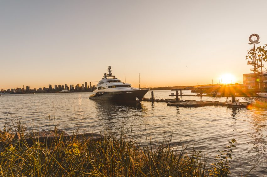Click for my guide to the best free things to do in Vancouver, including visiting North Vancouver for sunset.