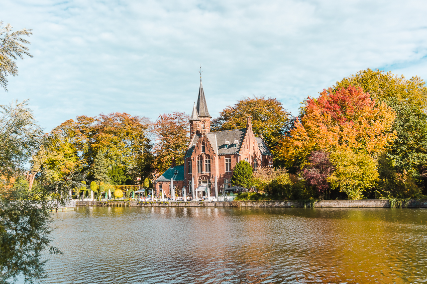 Where to take photos in Bruges - Minnewater