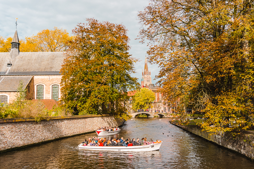 Where to take photos in Bruges - Begijnhof