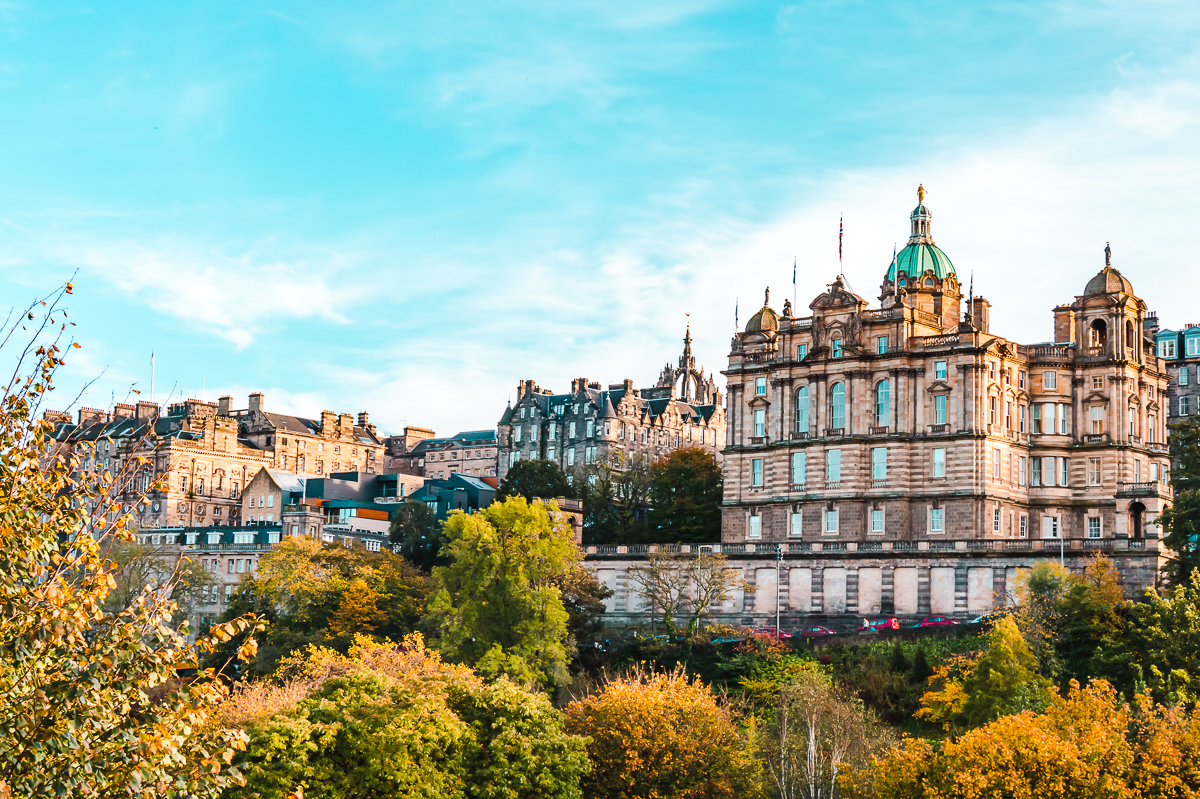Fall colours overlooking the Old Town in Edinburgh, Scotland